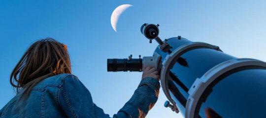 Matériel d'astronomie professionnel